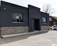 custom-paint-job-front-building